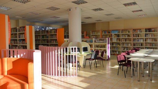 """(foto) Cum arată proaspăt renovata Biblioteca """"Târgoviște"""" din sectorul Buiucani"""