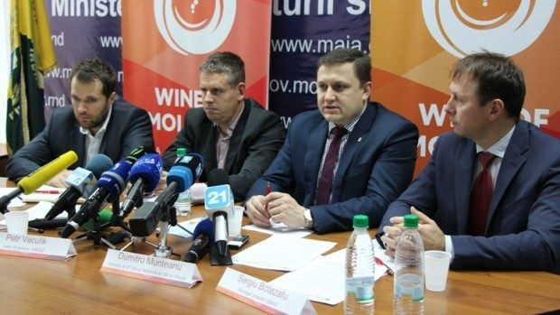 """Un milion de dolari pentru softul """"Registrului vitivinicol"""" destinat viticultorilor și vinificatorilor"""