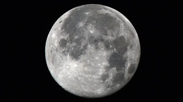 Luna plină va fi vizibilă de Crăciun, 2034 e următorul an când fenomenul va fi întâlnit