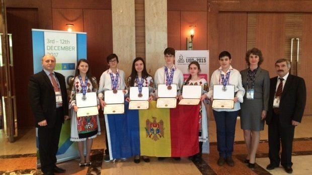 Elevii moldoveni revin acasă cu 5 medalii de bronz de la Olimpiada Internațională de Științe pentru Juniori