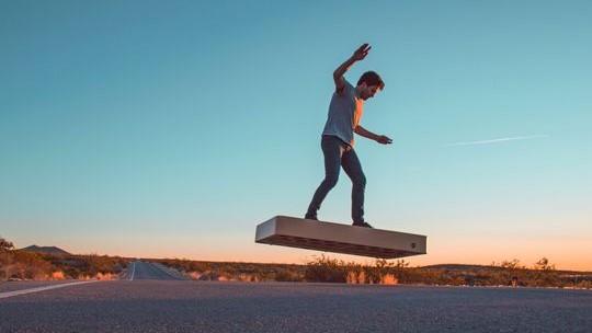 (video) Hoverboard-ul din Back to the Future a fost inventat de către românii de la ArcaBoard