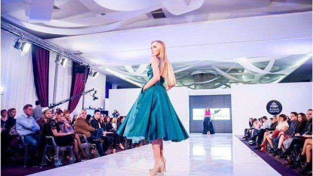 (foto) O tânără din Moldova a câștigat titlul de Miss România 2015 la București Fashion Week