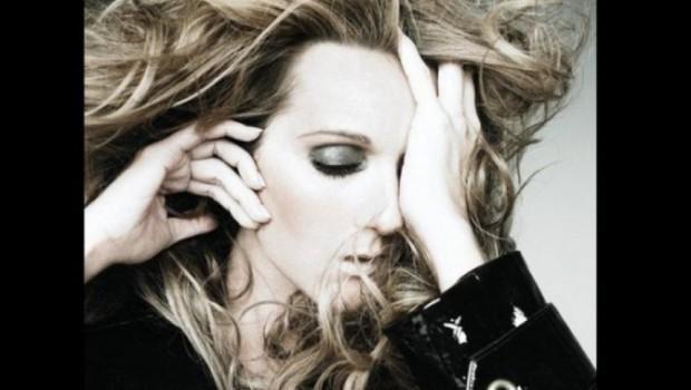 """(video) Piesa """"Hello"""", în interpretarea cântăreței Celine Dion"""