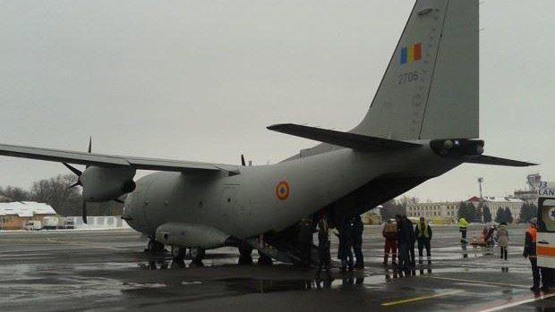 (foto, video) Trei persoane în stare gravă au fost transportate cu o navă aeriană la București