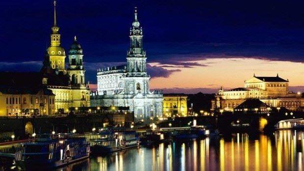 Concurs literar pentru elevi și studenți. Câștigă o călătorie de studiu în Germania