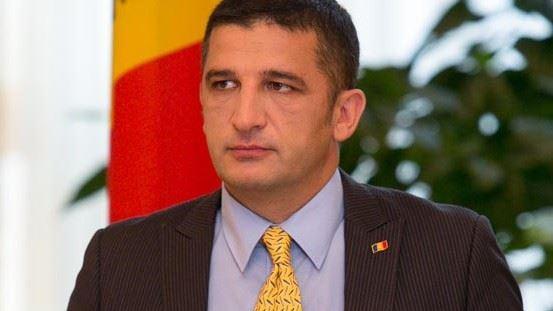 Consilierul lui Timofti, Vlad Țurcanu, demisionează din cauza învestirii pe ascuns a Guvernului Filip