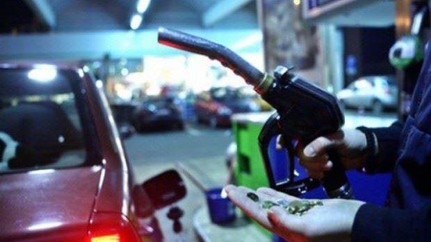 Două companii au scăzut prețurile la benzină, motorină și gaz lichefiat