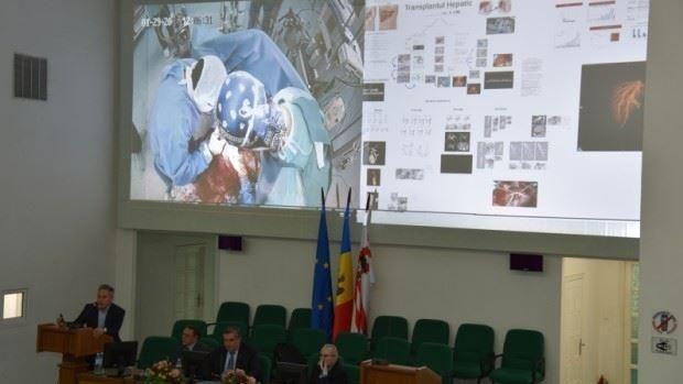 """La USMF """"Nicolae Testemițanu"""" a fost transmisă în direct o intervenție de transplant de ficat"""