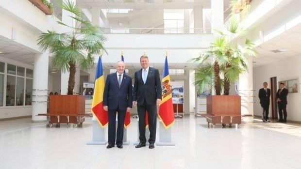 Timofti a discutat telefonic cu Iohannis. Va efectua o vizită oficială în România