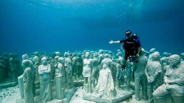 (foto) Lumea de sub ape. Cum arată primul și cel mai mare muzeu subacvatic din lume