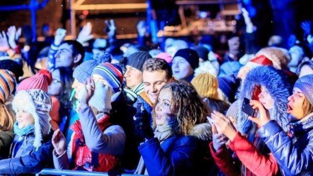 (foto) 12 mii de oameni au sărbătorit Revelionul în centrul orașului Orhei