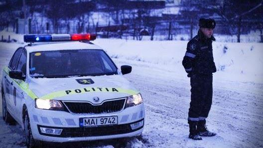 Prima ninsoare. Recomandările poliției pentru traficul pe drumuri cu zăpadă