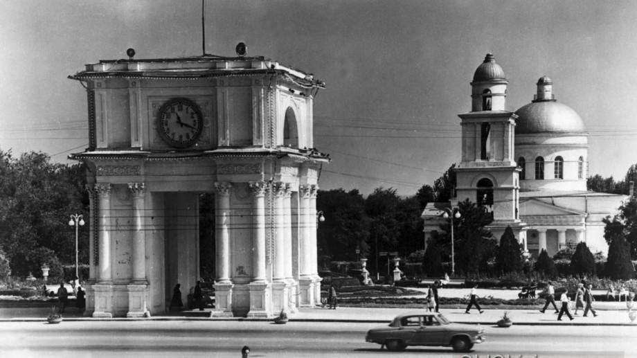 (foto) Legende urbane II: Secretele Bulevardului Dacia, ale Morii Roșii și casa bântuită de fantome