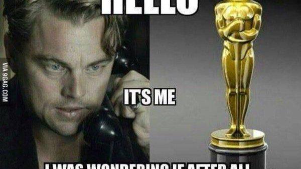 (meme) Premiile Oscar 2016: De ce ar trebui Leonardo DiCaprio să ia premiul în acest an