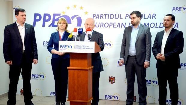 (video) Membrii PPEM părăsesc Alianța pro-europeană din Consiliul Municipal