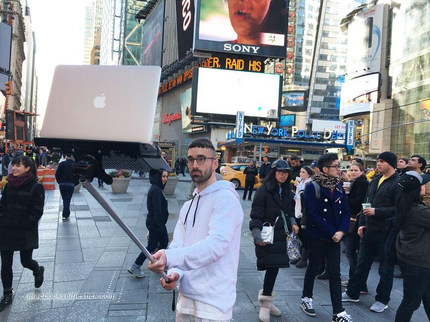 macbook-selfie-stick-moises-john-yuyi-tom-galle-2