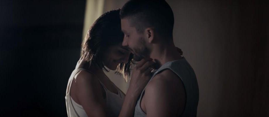 """(video) Cine sunt protagoniștii noului videoclip al lui MANI pentru piesa """"Nu e cazul"""""""