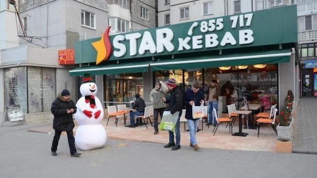 (video) Experiment social la Chișinău: Cum ai reacționa dacă un Om de Zăpadă ar prinde viață?