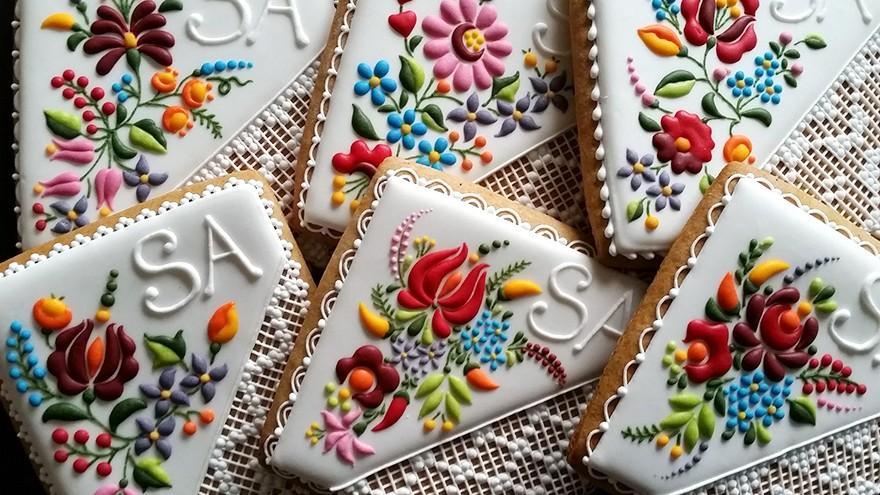 (foto) Iată cum ar arăta băsmăluțele brodate ale bunicii dacă ar fi prăjituri
