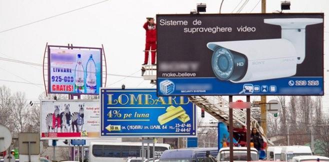 Panourile publicitare de pe bulevardul Ştefan cel Mare şi Sfânt vor fi demontate