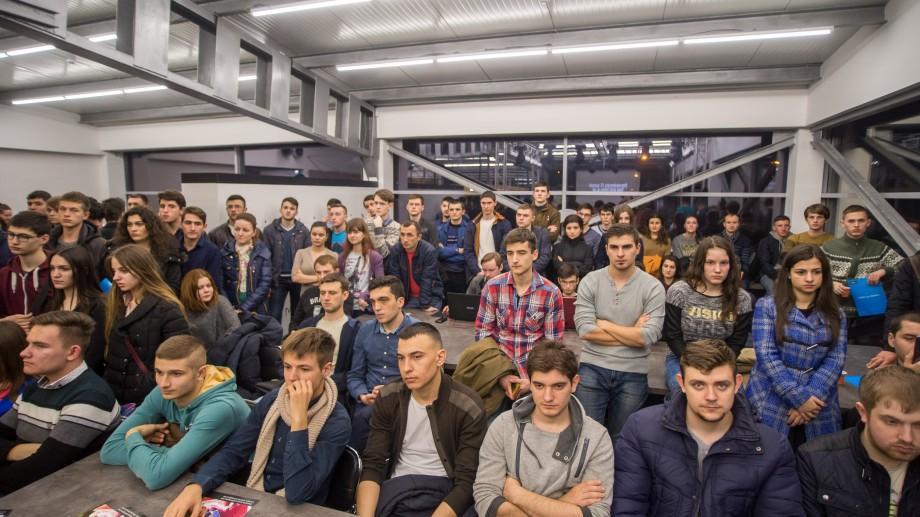 Un fondator al unei companii din Silicon Valley vine să discute cu tinerii de la Chișinău