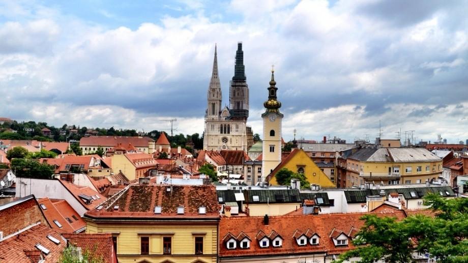 Participă la un forum pentru tinerii profesioniști în Croația