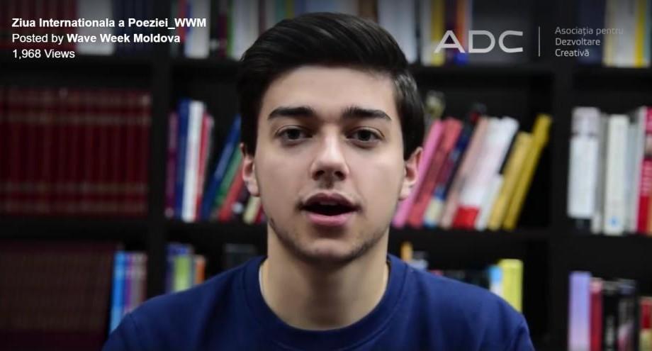 (video) Ziua Internațională a Poeziei: Tinerii recită emoționant versuri renumite în diferite limbi