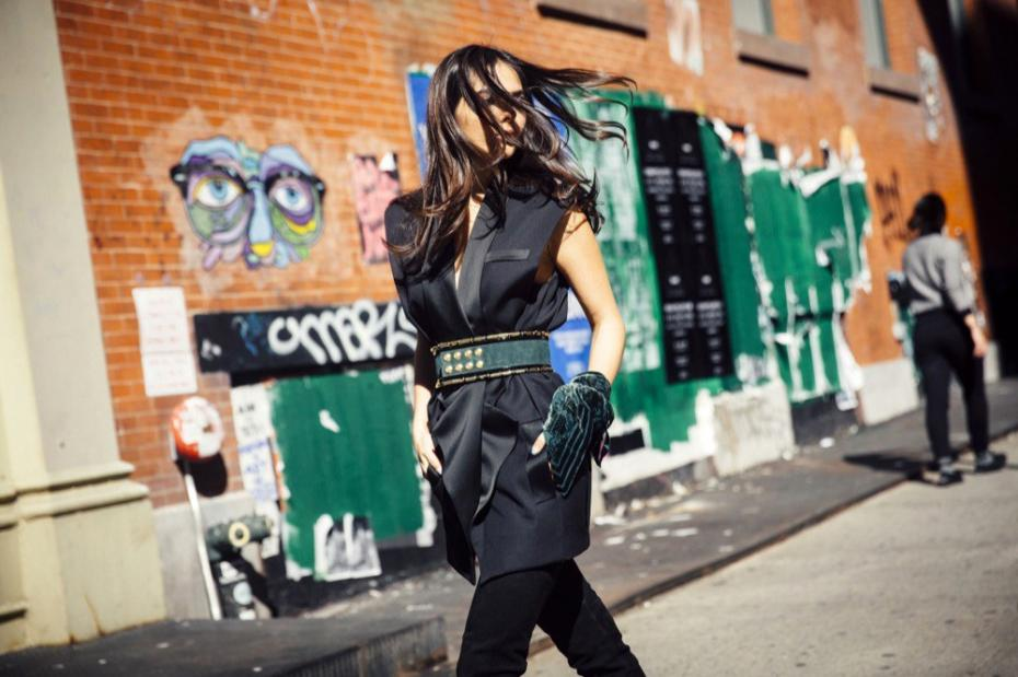 doina-ciobanu-hm-x-balmain-new-york-thigh-high-boots-green-belt-2