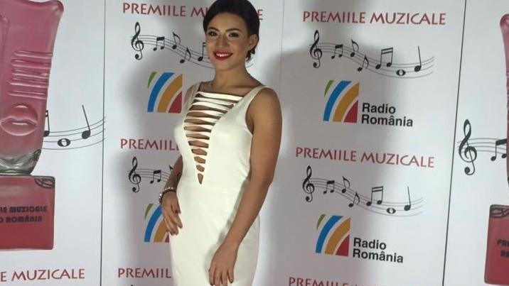 """(foto) Nicoleta Nucă a obținut premiul """"Debutul anului"""" la Premiile Muzicale Radio România"""