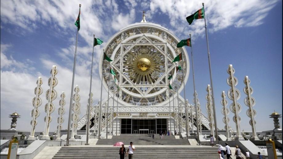 (foto) Capitala Turkmenistanului, inclusă în Cartea Guinness ca unul dintre cel mai bogate orașe din lume