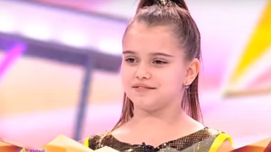"""(video) Tânăra de 11 ani, Ionela Țăruș, a ridicat publicul în picioare la concursul """"Next Star"""""""