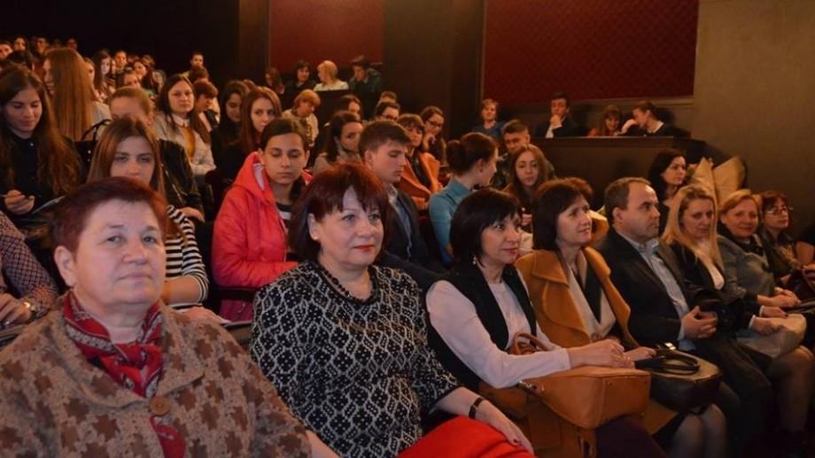 Circa 180 de elevi participă la Olimpiada republicană de Limbă și literatură Română