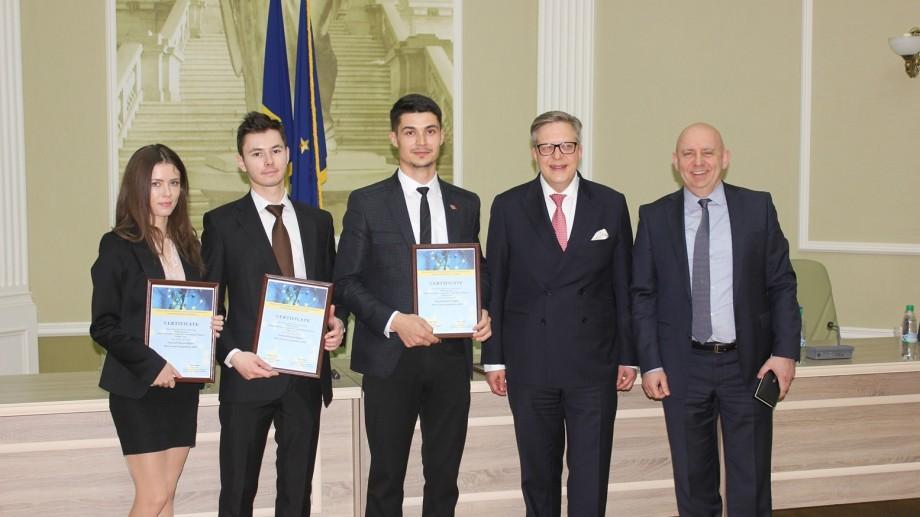 (foto) Premieră! Studenți de la trei universități au simulat procese de judecată după modelul Curții de la Strasbourg