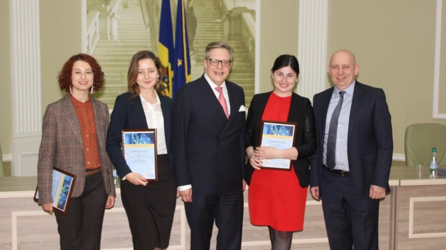 Trei studente juriste de la noi vor pleca la CEDO pentru a participa la un concurs internațional