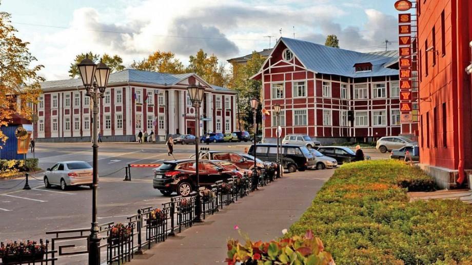 Studenții la film sau design grafic pot participa la o școală de film în Rusia