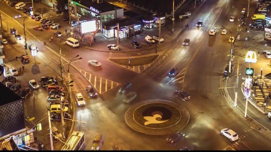(video) Ceață, mișcare și orașul care nu doarme – un nou timelapse de nota zece