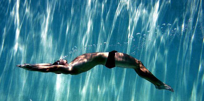 Bazinele din Chișinău unde poți nu doar să savurezi plăcerea înotului, dar și să-l exersezi ca sport