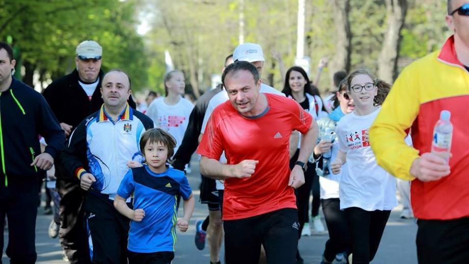 (foto) Cât de popular a fost Maratonul Internațional Chișinău 2016 în rândul politicienilor din Moldova