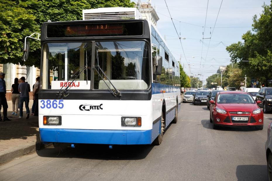 Numărul de troleibuze şi autobuze care vor circula în Chișinău a fost majorat