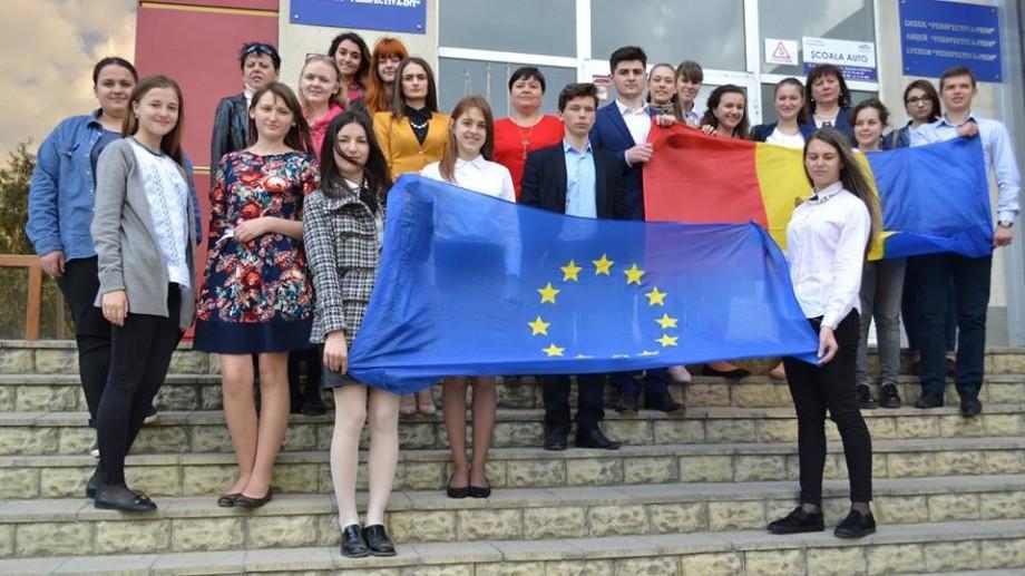 """(foto) Au fost desemnați finaliștii concursului """"Europa la noi acasă"""". Iată cine sunt aceștia"""