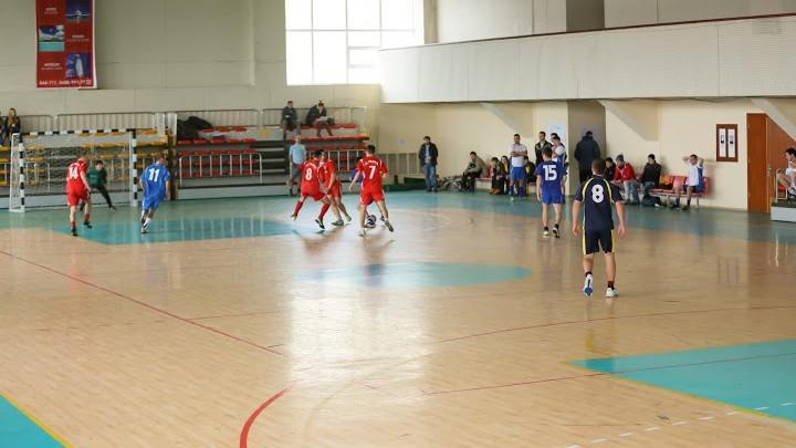 Recomandări #diez: Lista locațiilor din Chișinău unde poți juca fotbal în sală