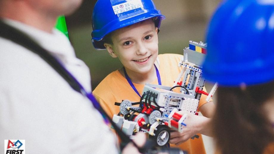 """""""Sumo Challenge Robocamp"""" la Artico: Elevii pot participa la o Tabăra de Robotică"""