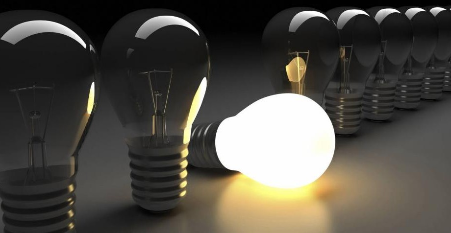 Cei afectați de întreruperea energiei electrice pot solicita compensații