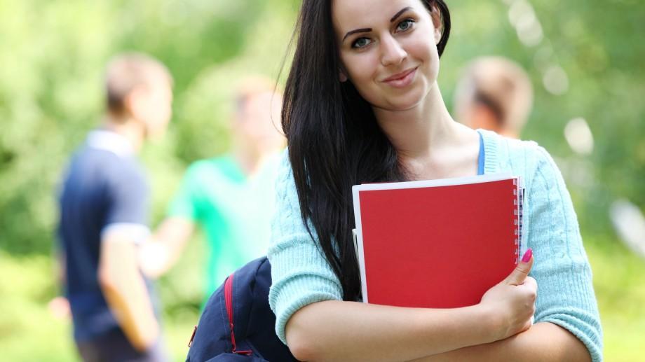 Bursele elevilor și studenților vor fi majorate cu 5%