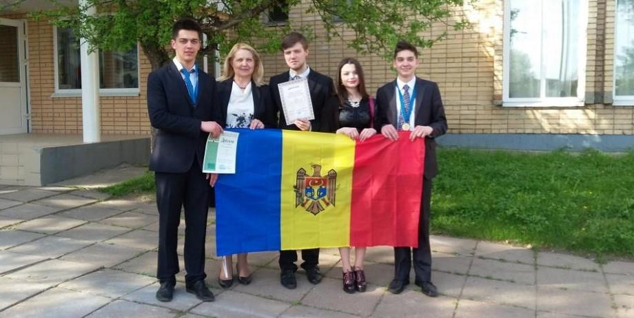 Doi elevi din Moldova au obținut medalii de bronz la Olimpiada Internațională de Chimie