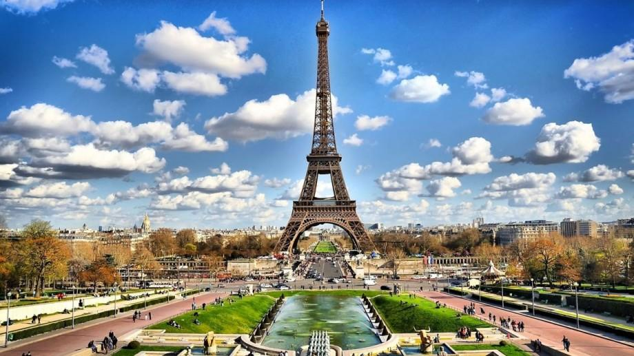Vara aceasta participă la un forum civic despre solidaritatea europeană la Paris