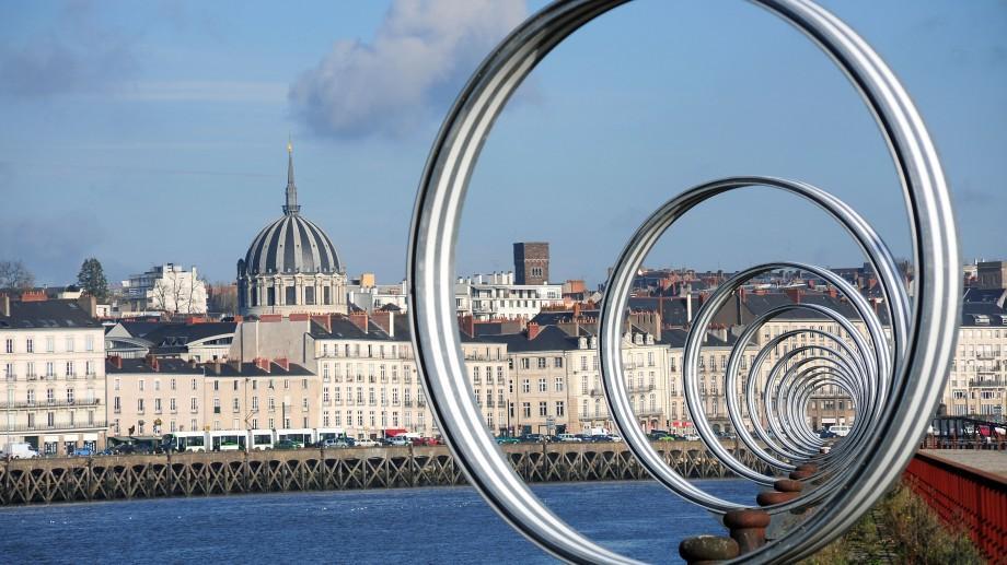 Călătorește gratuit la Nantes și prezintă-ți ideea de proiect civic în cadrul unui forum internațional