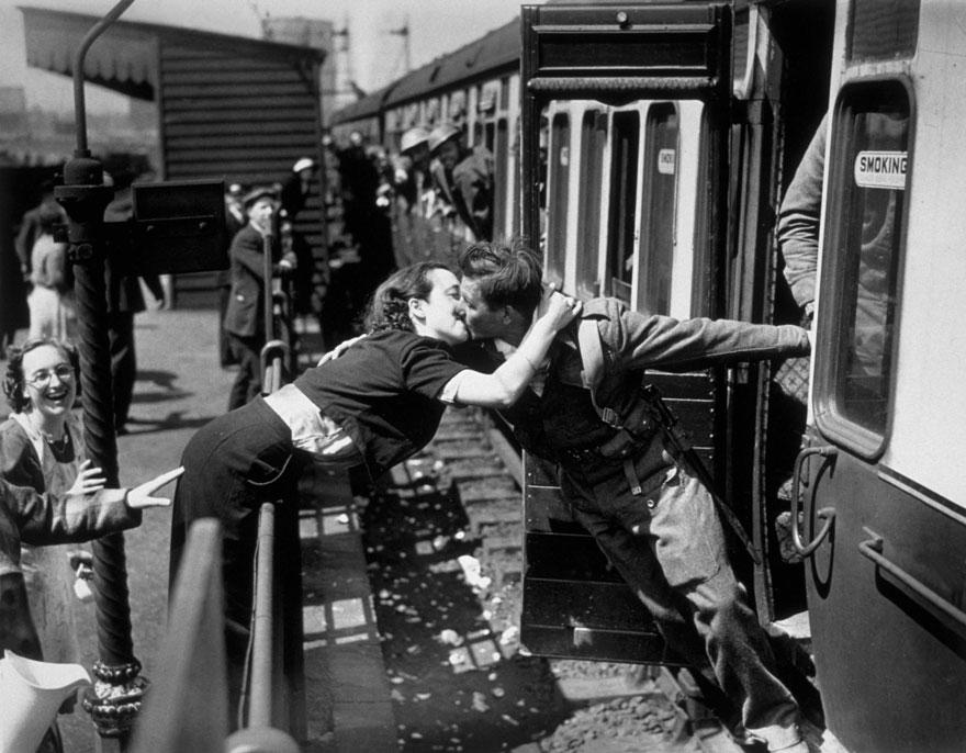 old-photos-vintage-war-couples-love-romance-20-5731f4cbb4891__880