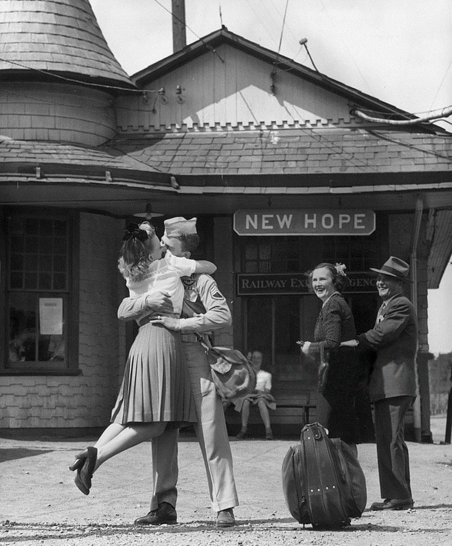 old-photos-vintage-war-couples-love-romance-37-57343d1d1f2b7__880