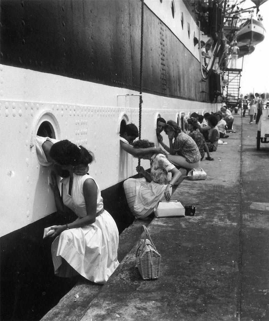 old-photos-vintage-war-couples-love-romance-42-57346bc0e8bb8__880